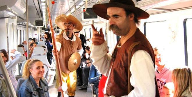 Animaciones de El Quijote y otros personajes durante el trayecto del Tren Turistico de Cervantes