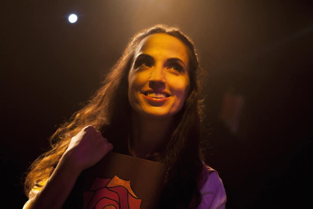 Personaje de Bella en La Bella y la Bestia el musical, de Mundiartistas