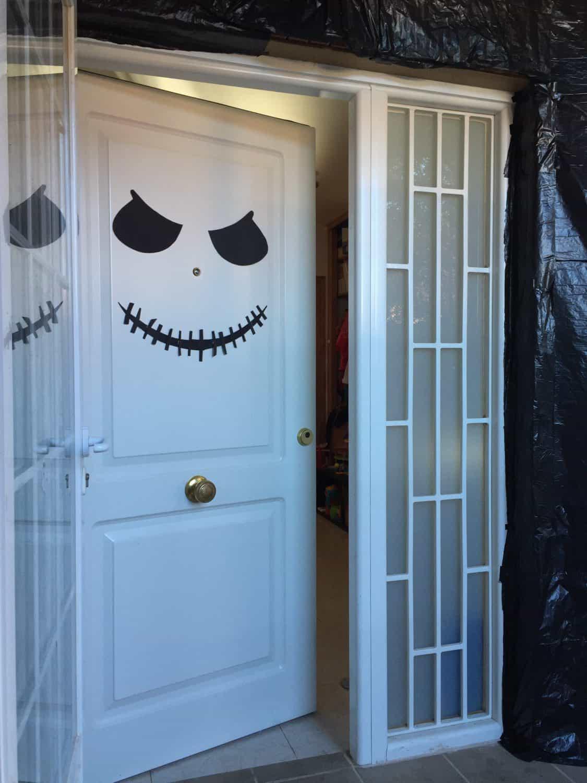 Decoración de puertas de halloween