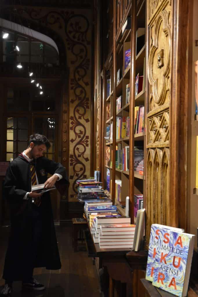Librería Lello, de Oporto. Una librería en la que supuestamente se inspiró la autora de los libros de Harry Potter